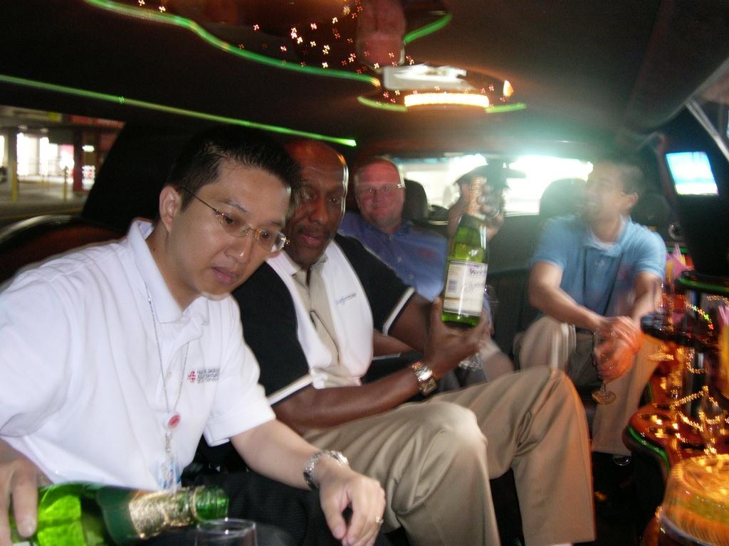 Limo - 先喝香槟